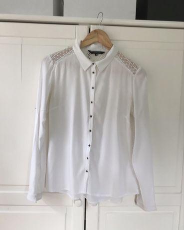 Koszula z ażurowymi wstawkami