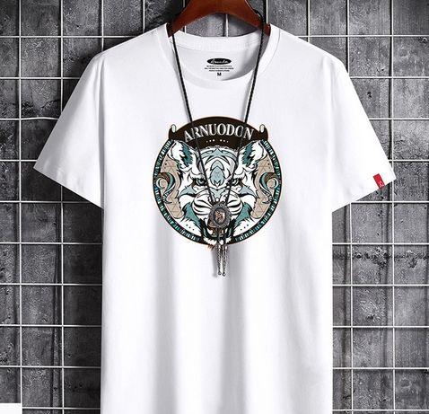 Продам мужскую футболку ( чкрная - белая ) размер (46/48/50/52)