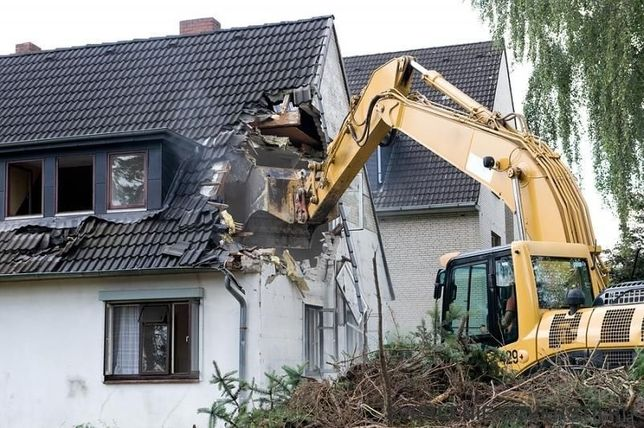 Демонтаж будівель, буднків, складів,котеджів,вивіз будівельного сміття