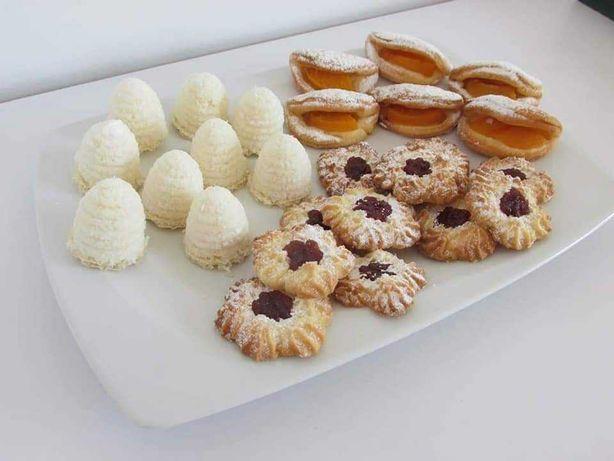 Domowe ciasteczka, ule kokosowe, orzechowe, ciastka