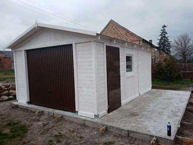 Garaż drewniany biały