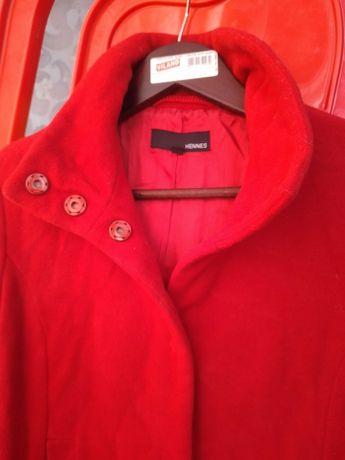 Пальто полупальто два пальта 48 размер