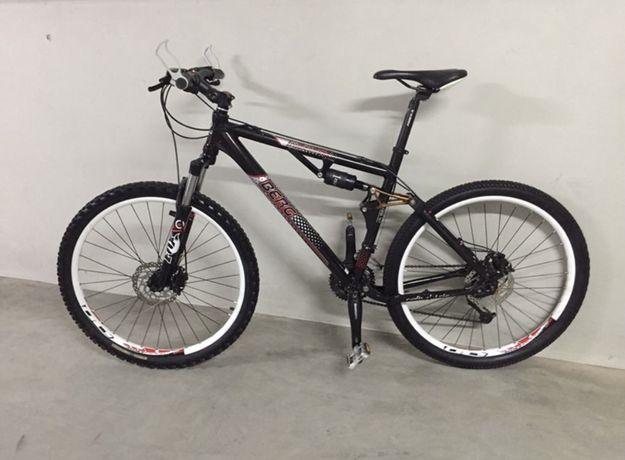 Bicicleta BERG suspensão total FOX