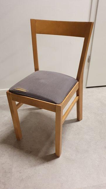 Komplet krzeseł z litego drewna