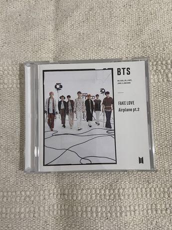 BTS - Fake Love / Airplane pt.2 versão C (Japonese)