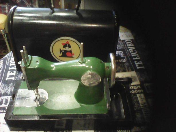 Детская швейная машинка!