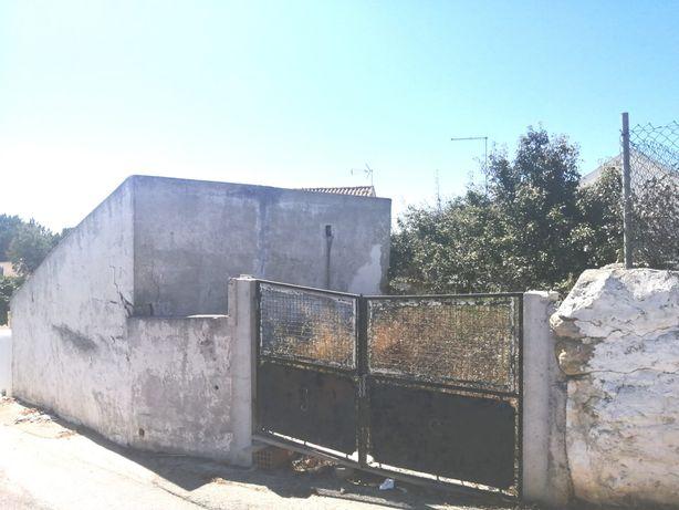 Terreno com projeto aprovado de moradia T3 Ericeira