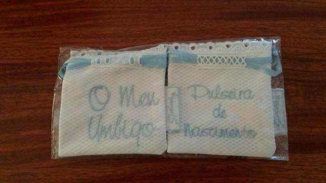 """Bolsa em renda bordada para """"O meu umbigo"""" e """"Pulseira de nascimento"""""""