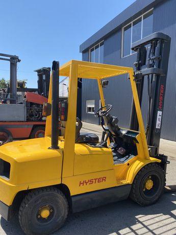 Empilhador HYSTER diesel de 3000 kgrs motor novo
