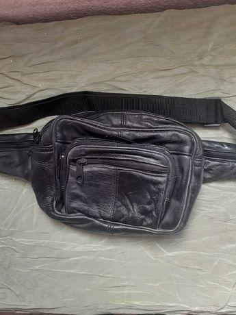 Bolsa de cintura em pele para homem