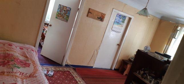 Продам 3 -х комнатную квартиру в центре