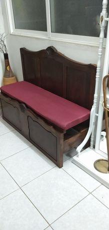Sofá, feito de cama antigo