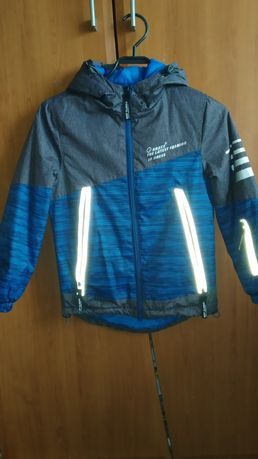 Куртка демисезонная на мальчика 5-6 лет
