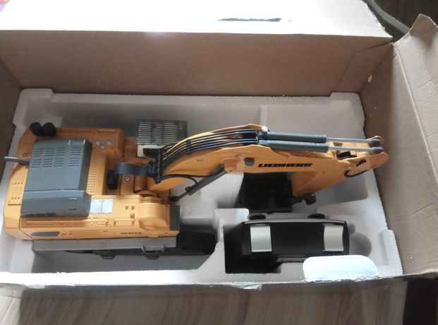 SIKU 6740 Control - Koparka gąsienicowa Liebherr R980 SME