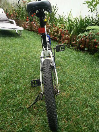 Bicicleta dobrável B-Fold