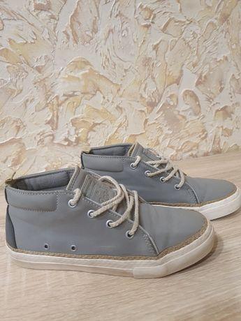 Ботинки, туфли, кроссовки Zara