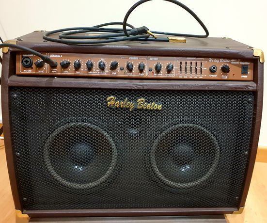 Amplificador Harley Benton e pedal Chorus e Reverb da Marshall