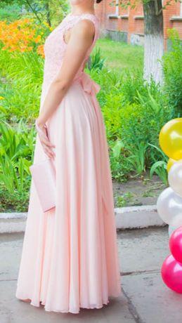 Элегантное платье