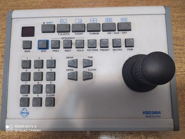 Универсальная клавиатура-контроллер с джойстиком PELCO KBD300A