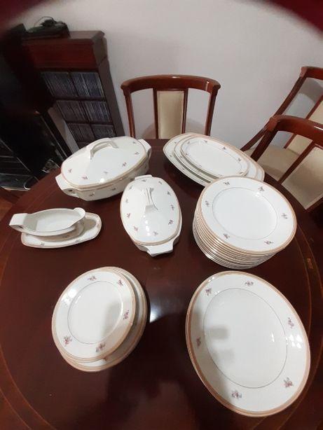 serviço de jantar da fábrica de porcelanas de Coimbra