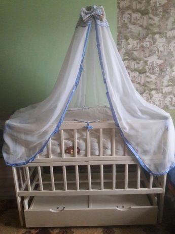 Продам детскую.кроватку