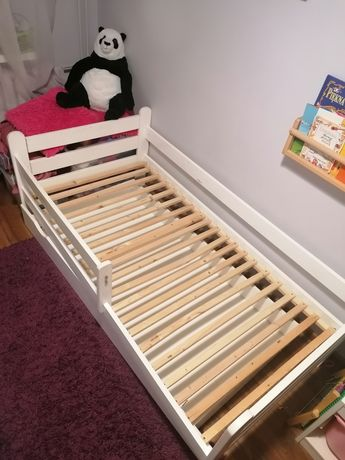 Łóżko dziecięce z szuflada i materacem