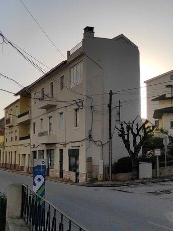 Edifício com vista espetacular para a Serra da Estrela!