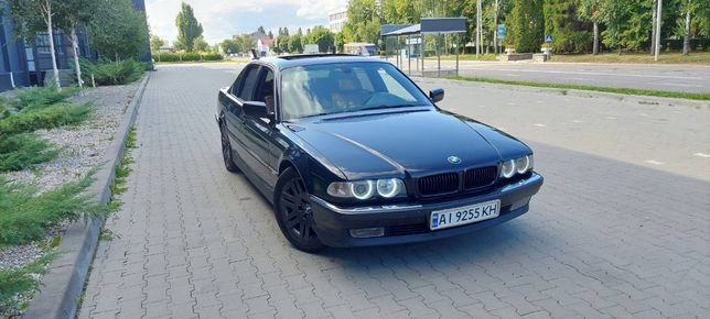 Продаю Bmw e38 740d