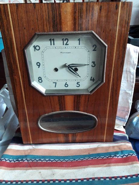 Часы настенные Янтарь .