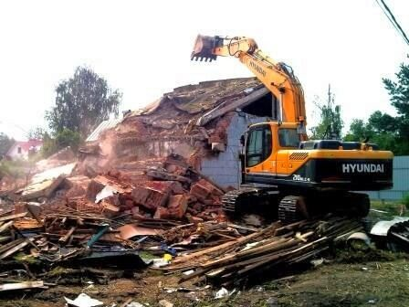 Демонтаж,розбірка будівлі