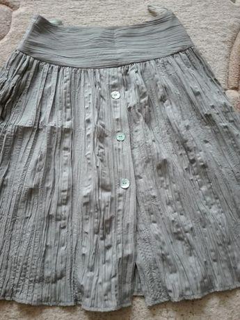Sprzedam damską spódnicę khaki