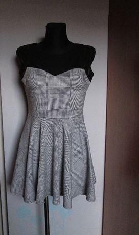 Śliczna sukienka czerń popiel przeźroczysta wstawka r. 40