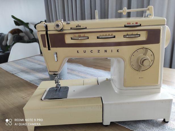 Maszyna do szycia Łucznik 834