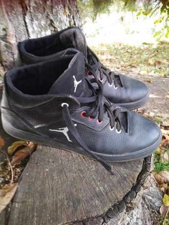 Кожаные ботинки 39 рр