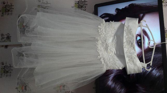 Праздничное платье на девочку на рост128-134см