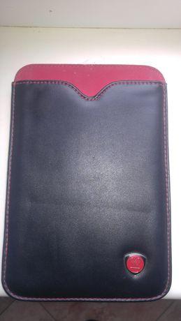 Продам чехол для планшета в идеальном состоянии для 10 дюймов.