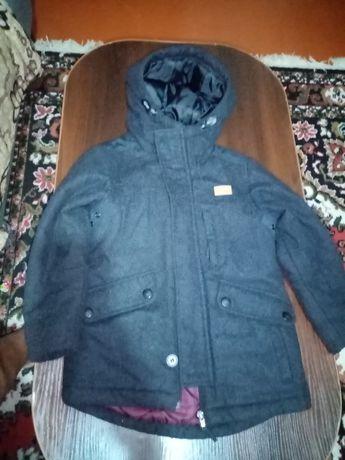 Пальто куртка на 5-6 лет