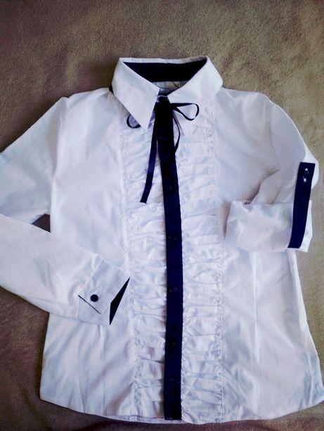 Блузка школьная, рост 152 см.