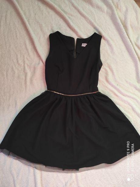 Czarna sukienka balowa