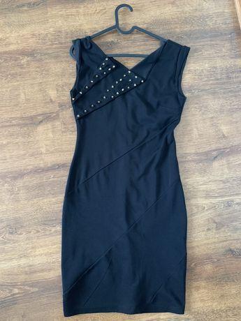 Sukienka mini czarna ćwieki rozmiar S