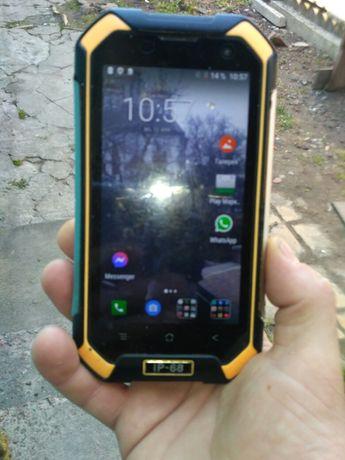 Блеквью 6000s противоударный смартфон,хорошо работает,