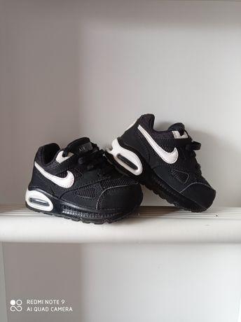Nike AIR MAX IVO  r. 21
