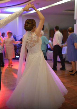 Sprzedam suknię ślubną welon gratis