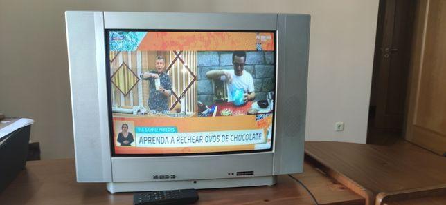 TV Tecnimagem 52cm diagonal a cores com telecomando original