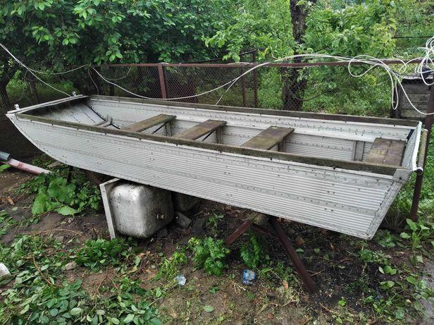 Продам алюмінієву лодку