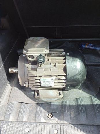 Silnik 7,5 kw       .