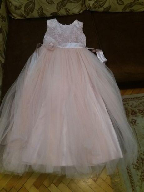 Нарядное платье на рост 140-152