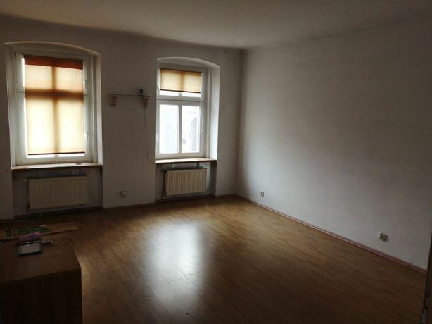 Mieszkanie własnościowe w kamienicy 46,66 w centrum miasta Legnica