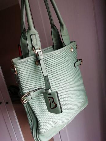 Zielona/seledynowa torebka na ramię
