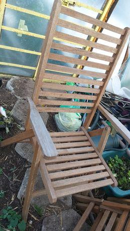 Krzesła plastikowe drewniane